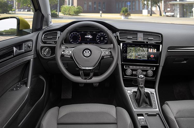 Volkswagen обновил Golf