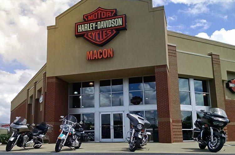 95-летний Гровер Сассаман по-прежнему на Harley-Davidson