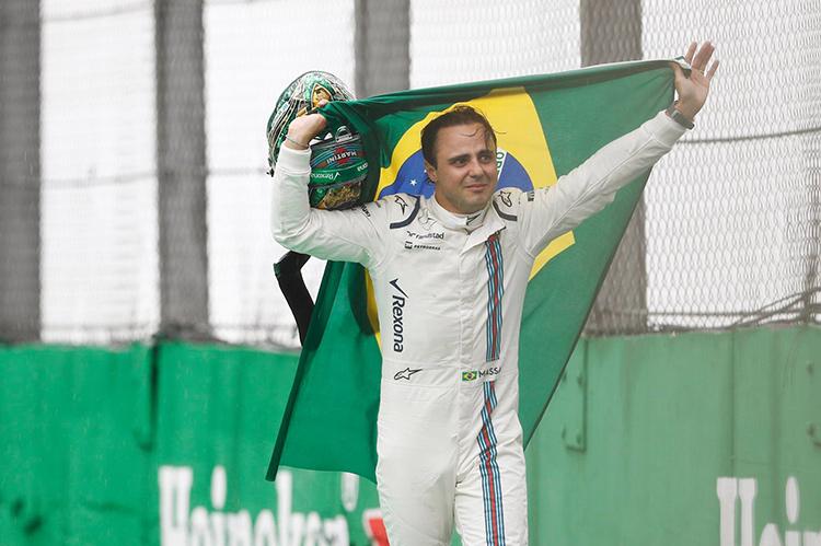 """""""Формула-1"""". Гран-при Бразилии. Забияка-дождь поигрался с пилотами"""