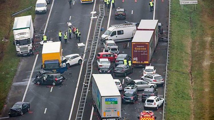 Плохая погода стала причиной массового ДТП во Франции