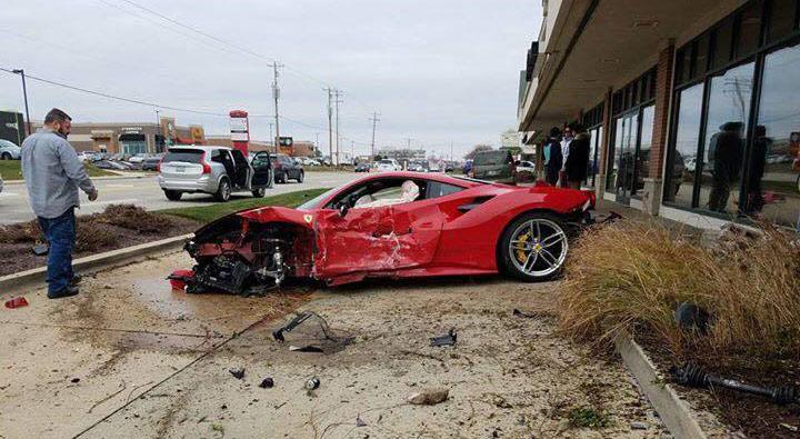 В США 18-летний парень разбил новенький Ferrari