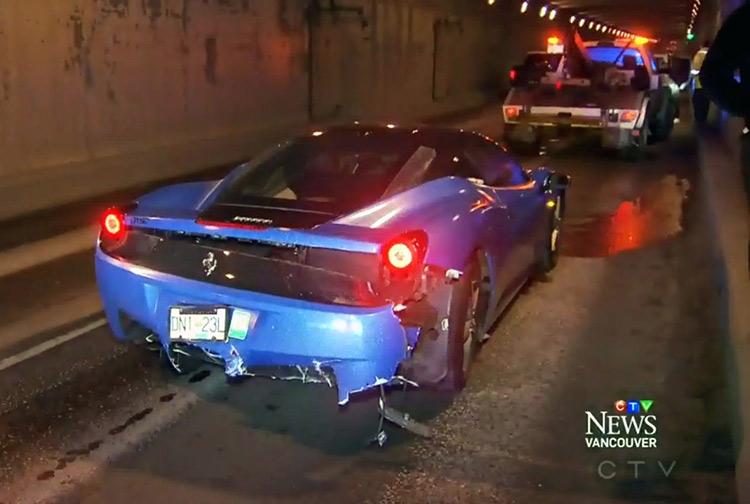 Тинейджеры проверили на прочность Ferrari и Lamborghini