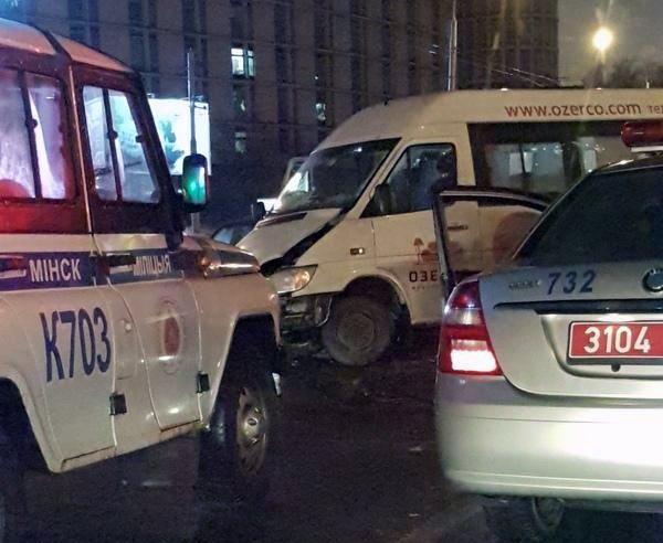 Минске, Машерова, BMW, маршрутка, ДТП, авария,