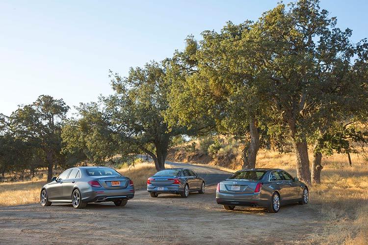 Сравнительный тест автомобилей Cadillac СT6, Mercedes-Benz E300 Sport и Volvo S90 T6 AWD.