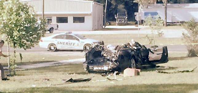 Электромобиль Tesla Model S после аварии