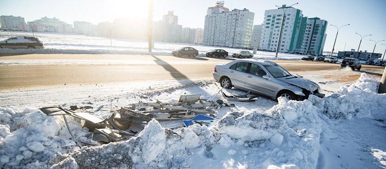 Пьяный автомойщик на Mercedes клиента попал в ДТП