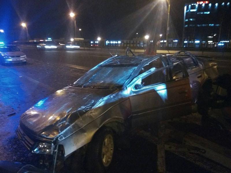На МКАД перевернулся Peugeot