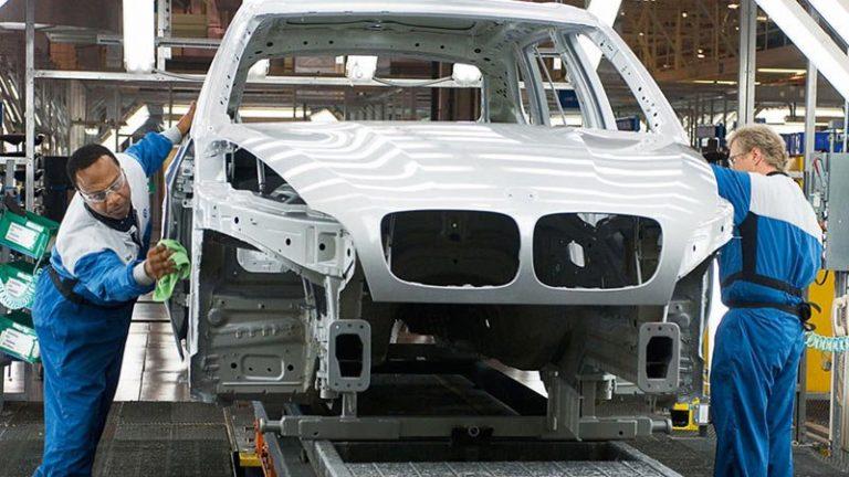 BMW наладит выпуск кроссовера X1 на бывшем заводе Mitsubishi