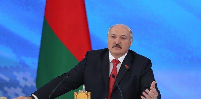 Лукашенко: все средства транспортного сбора направлены на ремонт и строительство дорог