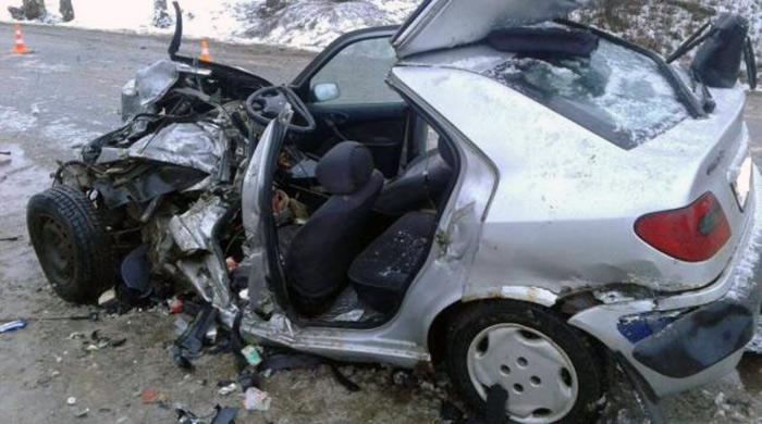 В результате столкновения ГАЗ-53 и Citroen один человек погиб, трое в больнице