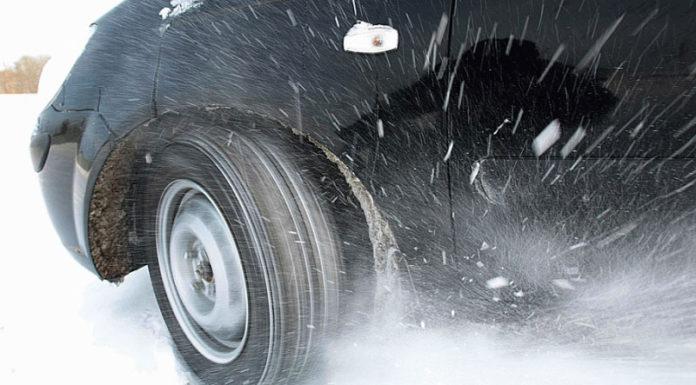 Когда на автомобиле установлены не шипованные и шипованные шины