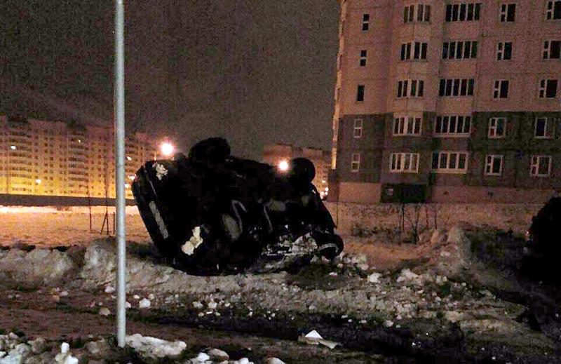 В Минске Ford, уходя от погони, вылетел с дороги