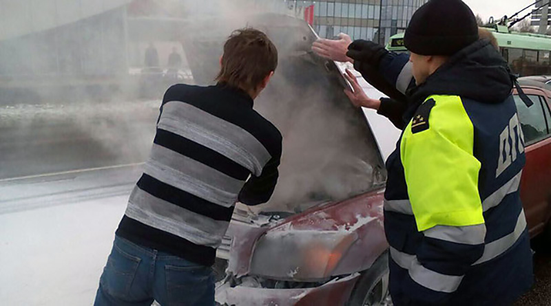 В Минске в момент оформления ДТП загорелся автомобиль