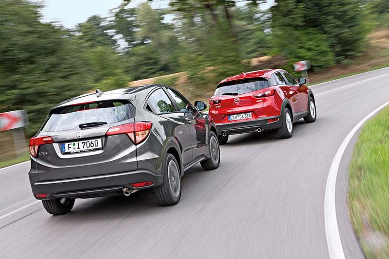 Сравнительный тест Mazda CX-3 и Honda HR-V