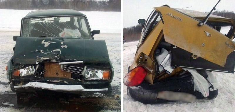 На автодороге М-10 лоб в лоб столкнулись Daewoo и ВАЗ