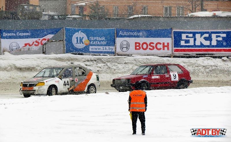 """26 февраля на стадионе """"Заря"""" в Боровой состоялся финальный этап зимних трековых гонок """"Горячий лед-2017"""""""