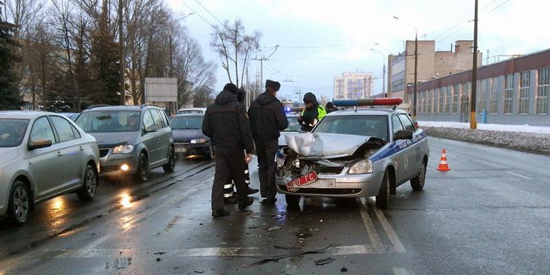 Автомобиль ГАИ попал в ДТП в Гомеле. Разыскиваются очевидцы