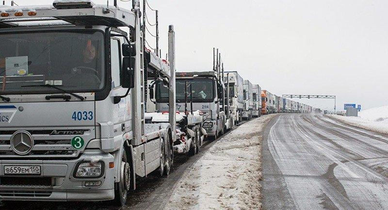 Более 300 фур ожидают выезда изБеларуси в «Каменном логе»
