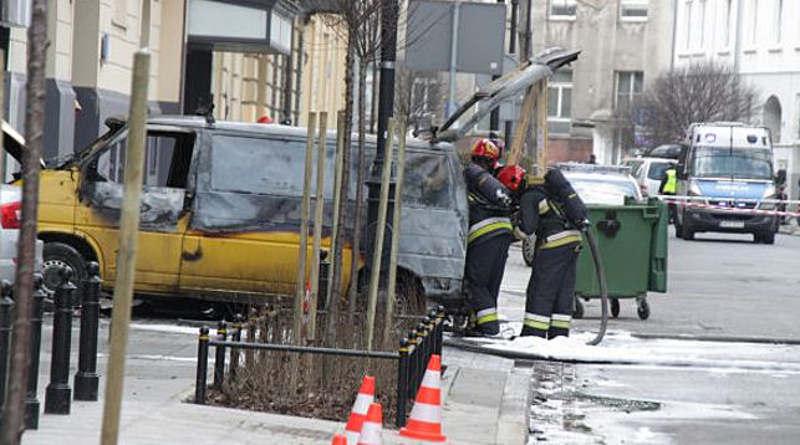 В Варшаве около здания МИД взорвался автомобиль