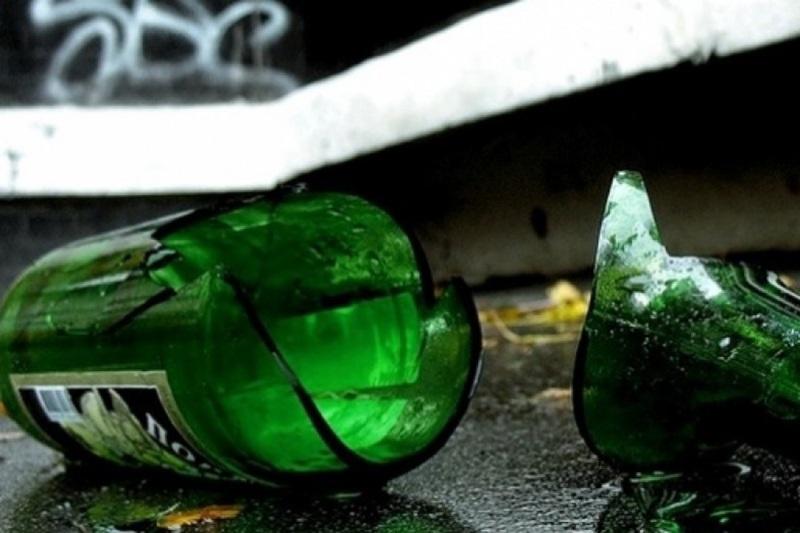 Житель Гродно выбросил из окна бутылки и нанес повреждения Mercedes 190