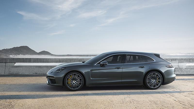 Porsche Panamera записался в «сараи»