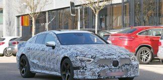 Mercedes испытывает соперника «Панамеры»