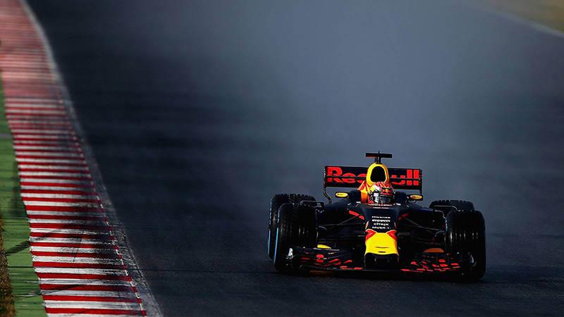 Red Bull тестирует дождевые шины