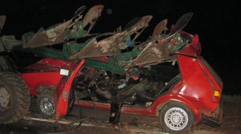 Столкновение трактора и легковушки в Мстиславском районе
