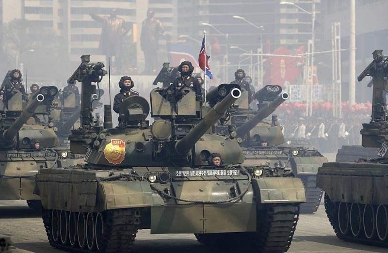 """КНДР превратила советский танк Т-62 в """"комбайн смерти"""""""