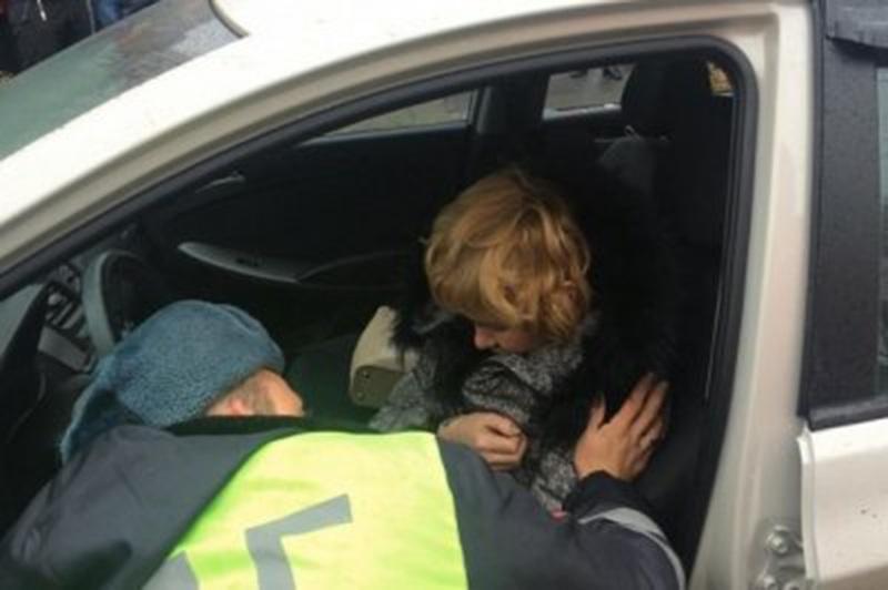 Женщина-водитель уснула на глазах сотрудника ГАИ