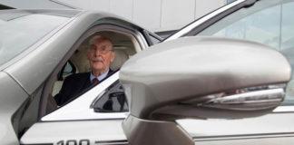 100-летний юбиляр получит бесплатный LEXUS LS