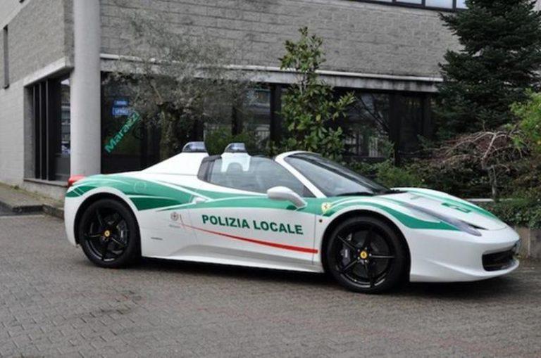 Автопарк полиции Италии пополнил Ferrari c мафиозным прошлым