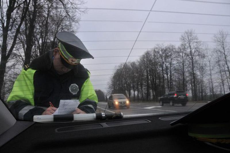 17 летний парень устроил тест-драйв по улицам города