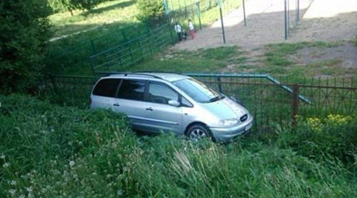 В Гродно пустой автомобиль сбил пенсионерка