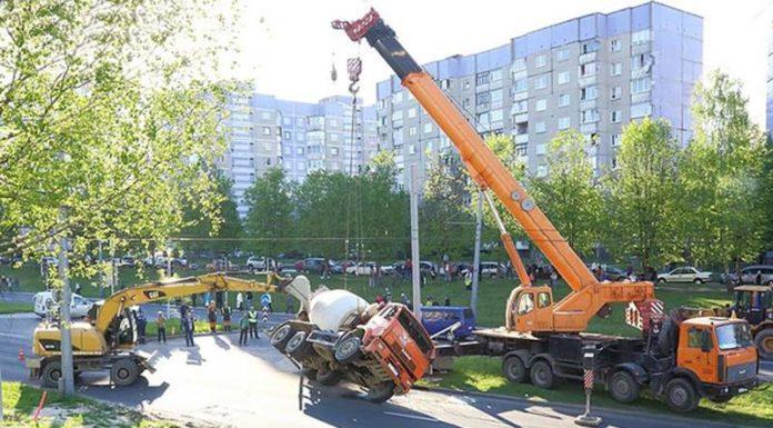 В Гродно перевернулась бетономешалка