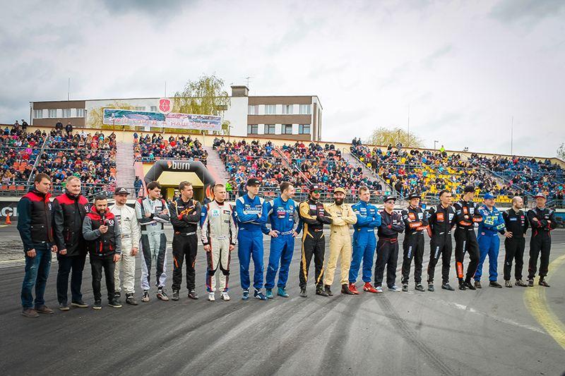 Первый этап – первый дым. В Пинске открыли сезон чемпионата Республики Беларусь по дрифтингу