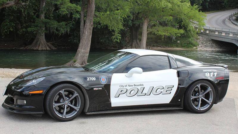 В США полиция использует конфискованный Chevrolet Corvette