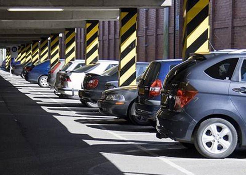 Минские власти планируют построить «умную» парковку и увеличить количество платных машиномест