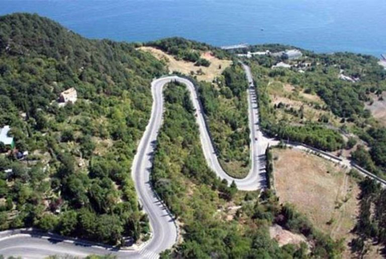 Названы пять самых опасных крымских дорог