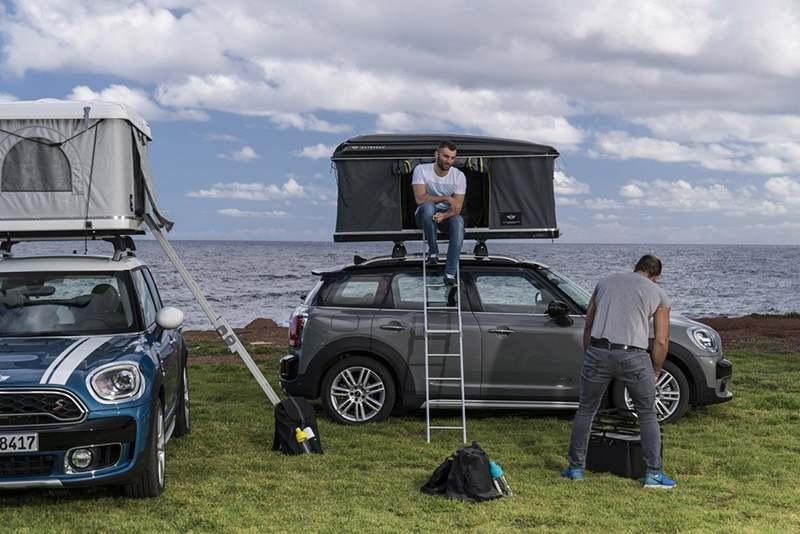 Mini оборудовали палаткой