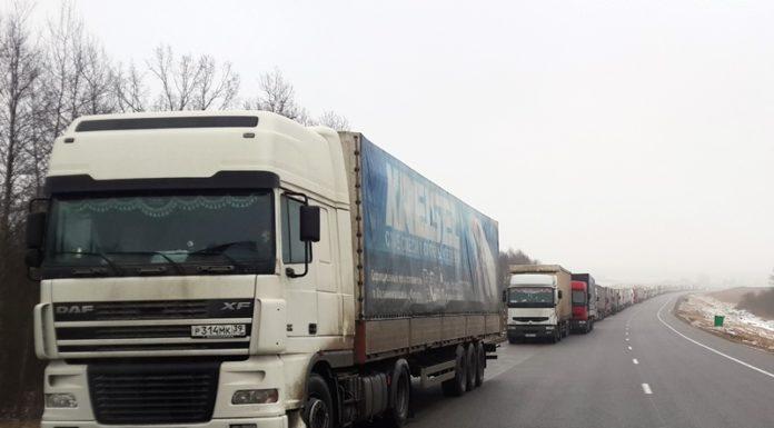 Очередь грузовиков