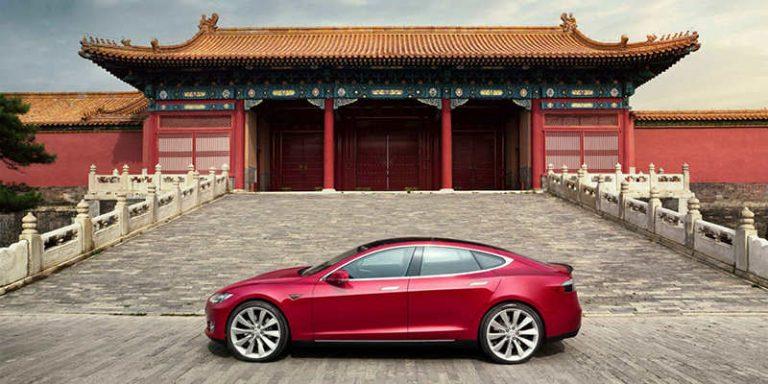 Tesla хочет выпускать машины в Китае