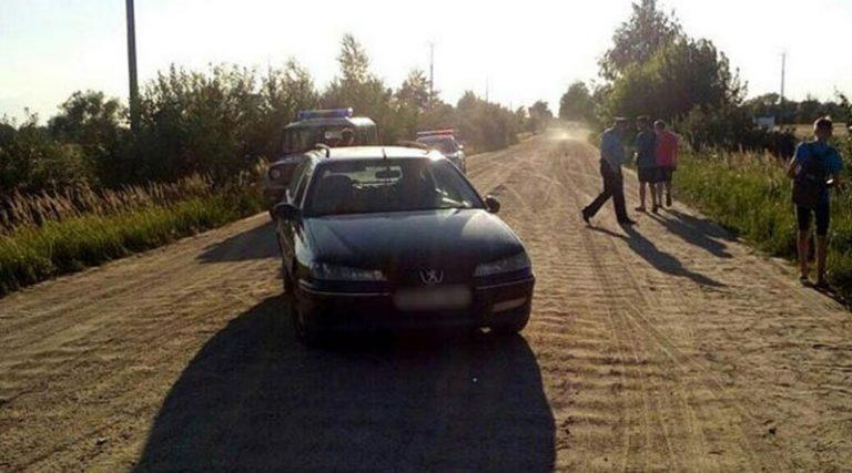 В Кобринском районе «Пежо» сбил шедшего по обочине 12-летнего ребенка