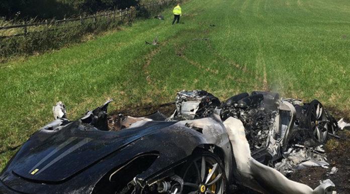 Ferrari стоимостью в $427 тыс. разбит через час после покупки