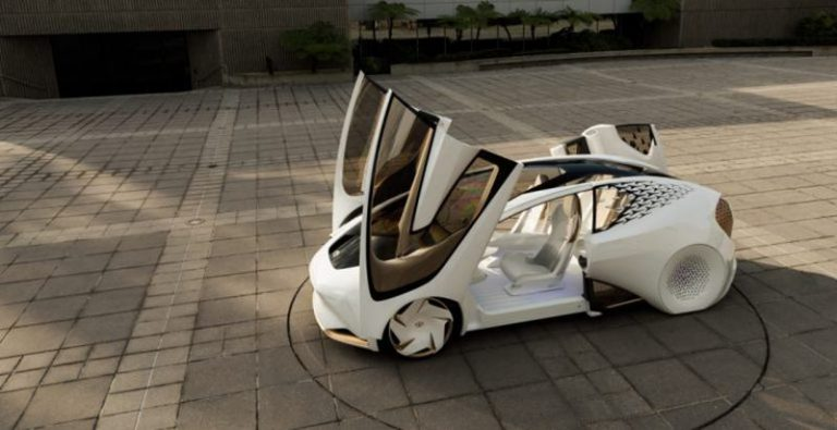Toyota планирует создать электромобиль с новым типом аккумулятора
