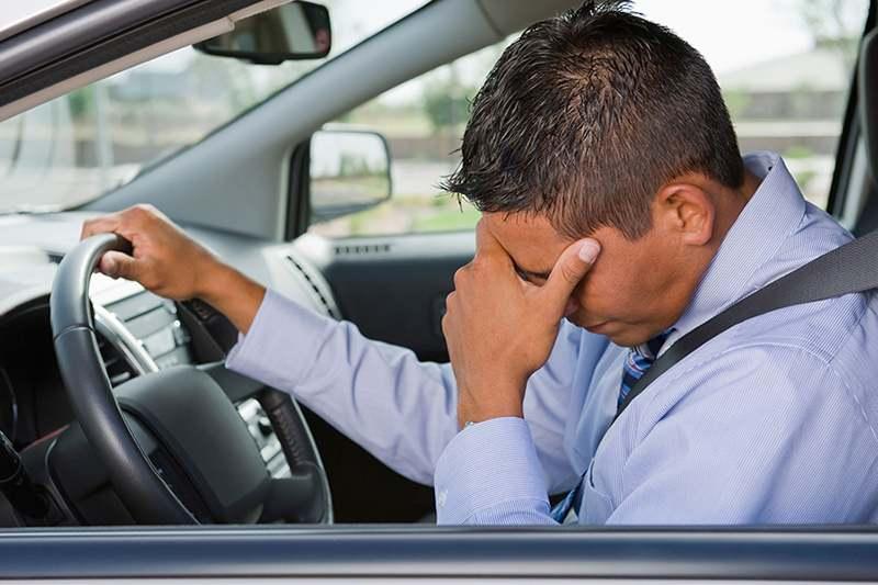 Длительная езда за рулем приводит к «отупению»