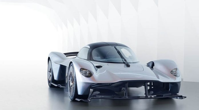 Aston Martin Valkyrie обрел товарный облик