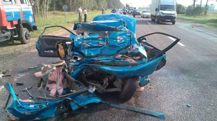 В Смолевичском район в ДТП с участием грузовика погиб пассажир