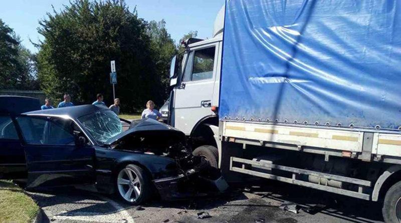В Кобринском районе произошло ДТП с участием «МАЗа» и «БМВ»