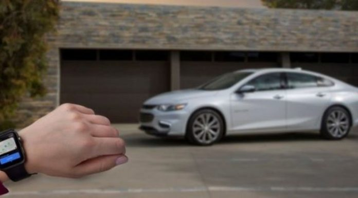 Chevrolet «подключили» к наручным часам